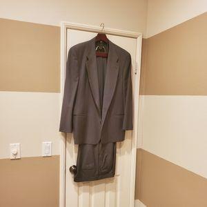Ermenegildo Zegna men's pin-striped suit. Size 56
